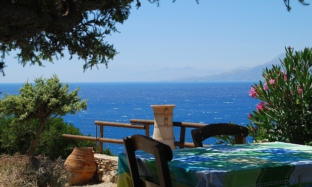 is it safe to travel to Crete